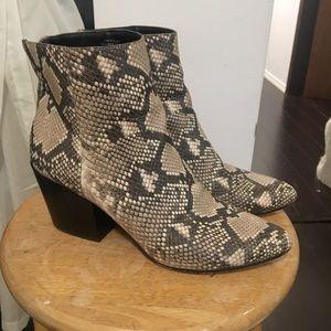 Dolce Vita snakeskin Boots #dolcevita #stevemadden